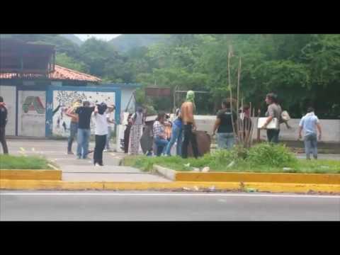 Estudiantes de la Universidad Central de Venezuela (UCV) Protest