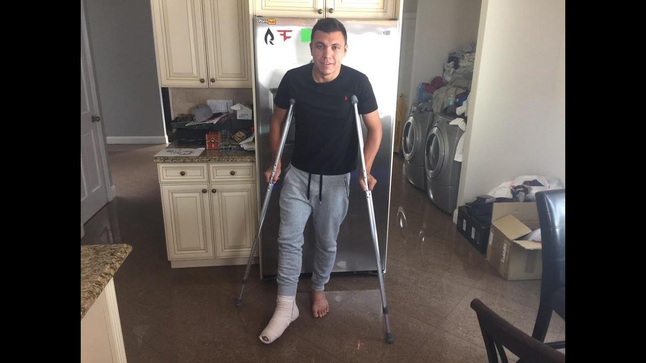 Faze House Injury Broken Foot Youtube