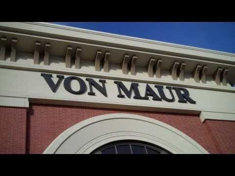 KEZK at Von Maur