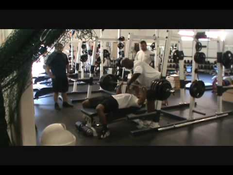 Dominique Dorsey 375 bench @ 181 lbs