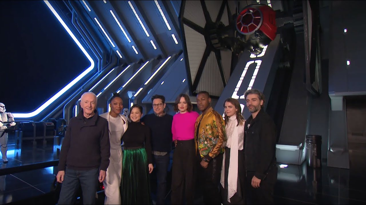 Cast Of Star Wars The Rise Of Skywalker Previews Star Wars Rise Of The Resistance Attraction Youtube