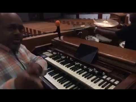 Pastor Darryl Cherry On Organ - (Gospel Fusion Jazz Flow)