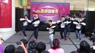 統領百貨前街舞表演