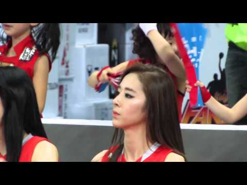 North Korea World Cup: Young and Beautiful Cheerleader