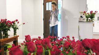 SURPRISING GIRLFRIEND WITH 1,000 ROSES! (7.29.15 - Day 2282)