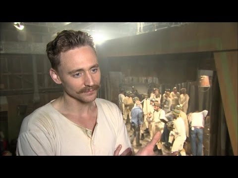 Tom Hiddleston Interview - Muppets Most Wanted - YouTube