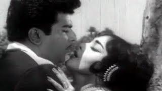 Vennila Mugam - Selva Magal Tamil Song