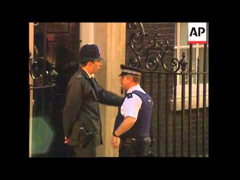 UK: LONDON: JOHN MAJOR MOVES OUT OF 10 DOWNING STREET