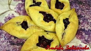 Может не такие красивые, но было вкусно -Пирожки из творожного теста с черной смородиной/Patties