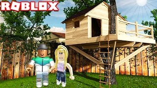 BUILDING MY OWN TREE HOUSE IN ROBLOX