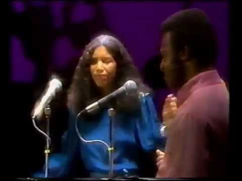 Womack & Womack : Love Wars - Baby I'm Scared of You
