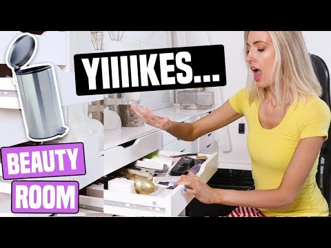 This is so embarassing 🙈 ... EPIC 3 DAY BEAUTY ROOM PURGE [Part ONE]