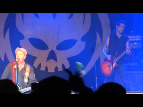 The Offspring Performing Why Don't You Get A Job Live @ The Shaw Conference Centre. Edmonton, AB.