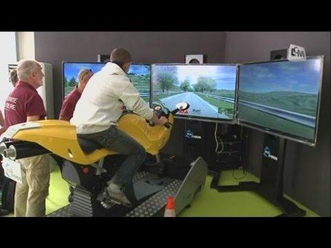 un simulateur moto unique en france youtube. Black Bedroom Furniture Sets. Home Design Ideas