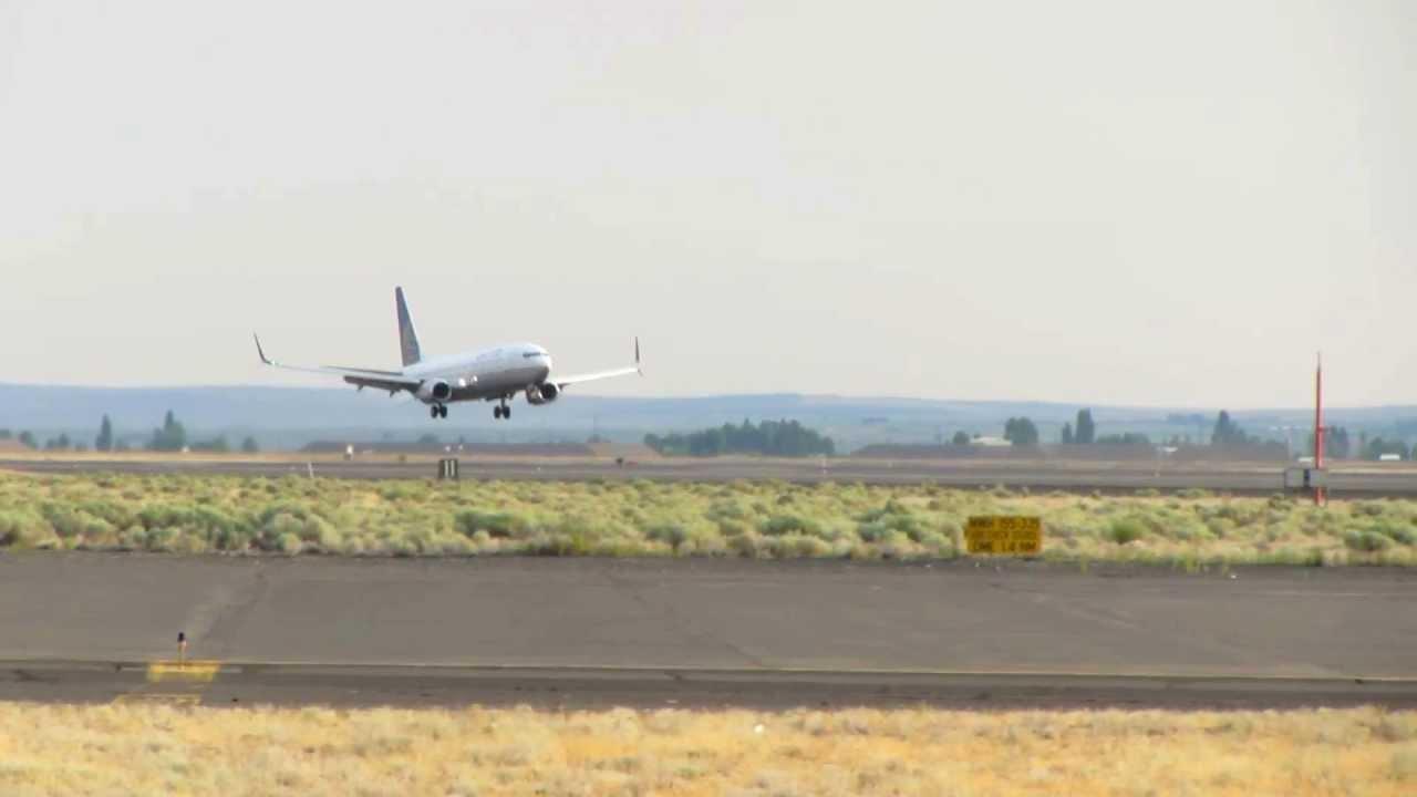 United Boeing 737-800 (N37277) Split Scimitar Winglet - Test Flight