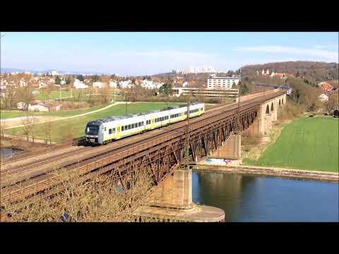 Bahnverkehr auf der Donaubrücke in Regensburg Prüfening, Bayern