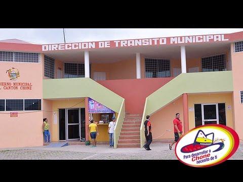 Dirección de Tránsito de Chone realiza entrega de matrículas y documentos habilitantes