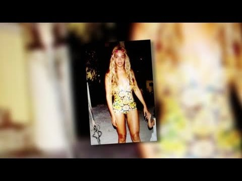 Beyoncé Shows Off Her Amazing Figure in a Swimsuit - Splash News | Splash News TV | Splash News TV