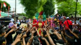 Atraksi Cewek VS Anoman di Karnaval 17 Agustusan