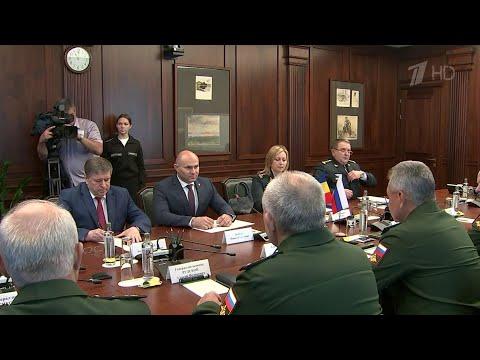 Военное сотрудничество России и Молдавии обсудили министры обороны двух стран.