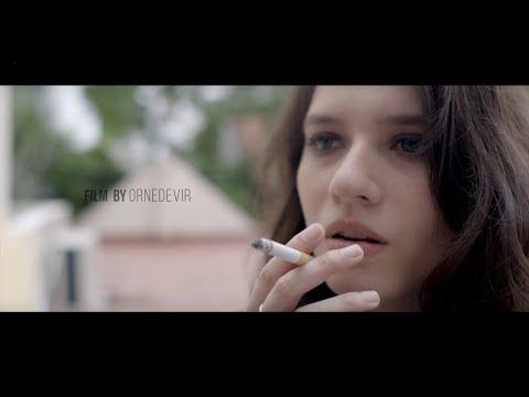 Looking Up  - La Brújula ft. Mica Suarez & Maria Becerra