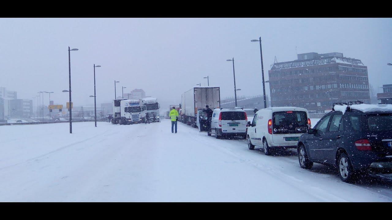 Snø kaos oslo 26/03/15 snow norway - YouTube