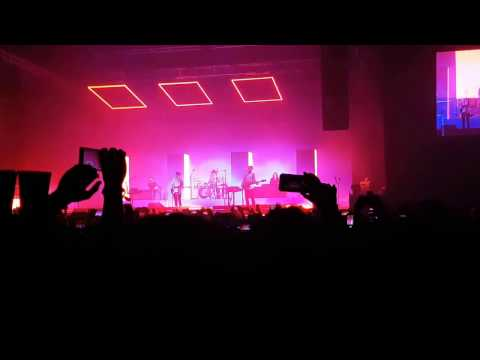 The 1975 live Mexico City!