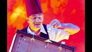 Cris L`artiste fleas circus pictures