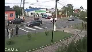 Видео падения Саакашвили с велосипеда(Инцидент с участием Саакашвили, находящегося в Турции с визитом, произошел в воскресенье, 7 апреля. В первон..., 2013-04-10T07:44:31.000Z)