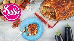 Moussaka – griechischer Auberginen-Kartoffel-Auflauf mit Hackfleisch & Bechamel-Soße / Sallys Welt