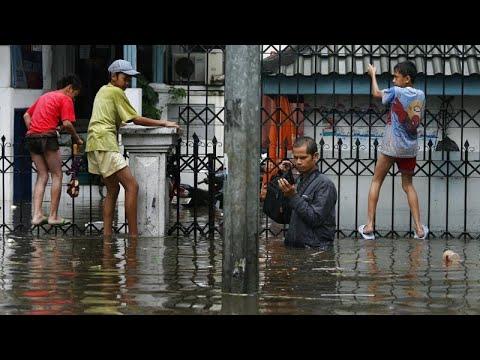 Alluvione in Indonesia: Giacarta sotto due metri d'acqua