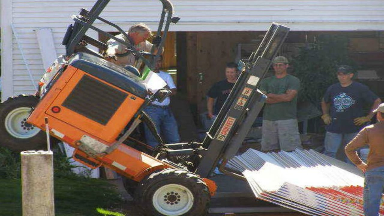 We Crashed A Hi Lo Forklift Moving Snake Cages Brian Barczyk Youtube