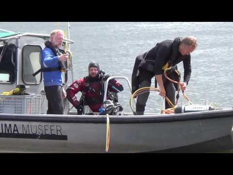Besiktning av ett förmodat fartygsvrak vid Slussen