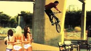 BMX STREET NIKE 6.0 BARCELONA VIDEO - OMG !