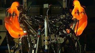 F1 Bruit moteur V8 attention aux oreilles