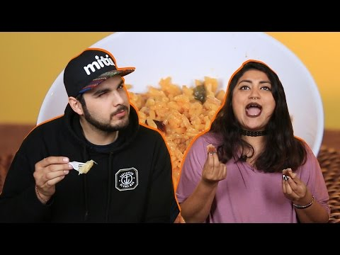 Mexicans Try CUBAN FOOD | Taste Test | mitú