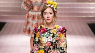 Jessica makes stunning runway debut at 'Dolce & Gabbana's fashion show in Milan