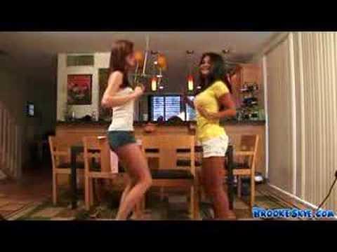 MANDY KAY IS TWERKING ON THE TABLE SO HOT from YouTube · Duration:  16 seconds