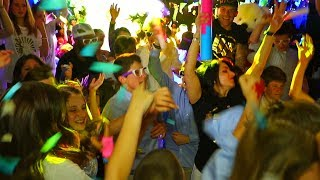 Now This Is How You Throw A Party!!