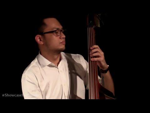 "Sri Hanuraga Trio Ft. Dira Sugandi - Bubuy Bulan @ Album Showcase ""Indonesia Vol.1"" [HD]"