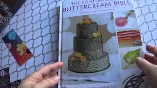 Review: 100 Buttercream Flowers and The Contemporary Buttercream Bible