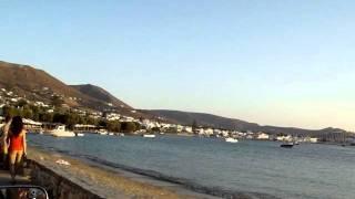 Остров Парос...(остров Парос:моторазходка по крайбрежната улица., 2011-08-19T11:28:06.000Z)