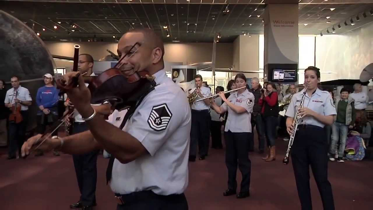 Is The Airforce Doing A Flashmob Christmas 2020 The USAF Band Holiday Flash Mob at the National Air and Space