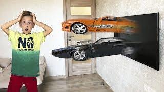 Машинки Dodge Charger и Toyota Supra появились из телевизора.