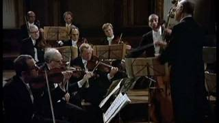 "W.A.Mozart - Serenata No.6 en Re Mayor, K.239 ""Serenata Notturna"""