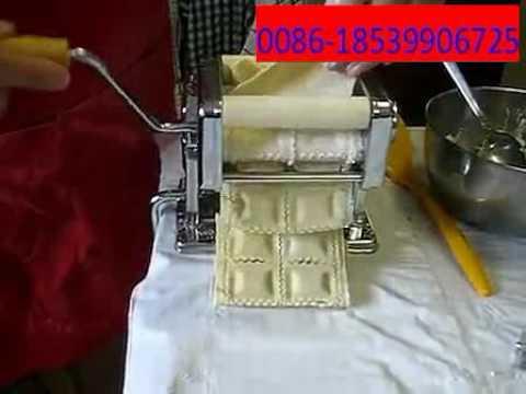 Ravioli maker machine