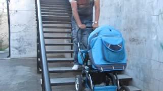 Как правильно обращаться  с ребенком по лестнице! How to deal with the child on a ladder