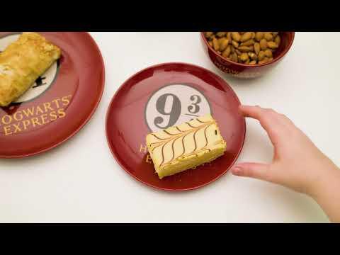 Harry Potter - Platform 9 3/4 Dinner Set - Video