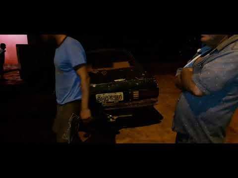 Aqui em Malhada de Pedras a gente estaciona carro é assim