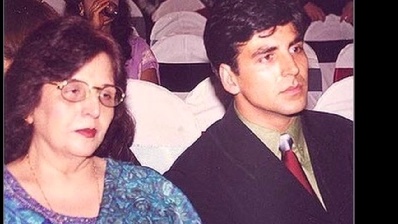 Akshay Kumar with his parents rare and unseen - YouTube